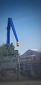 rhinos crane